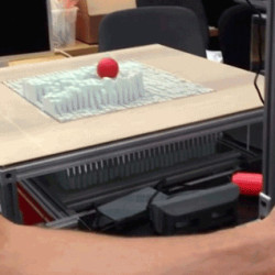 Esta Mesa Transformable Puede Crear una Versión Virtual Tuya en Tiempo Real