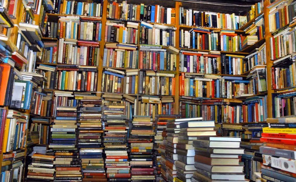 denis_keman_dkcgi_modeling_books_and_scattering_them